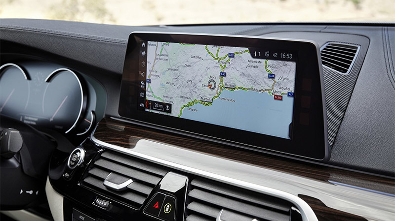 BMW's 2017 5 Series Sedan to be first car with support for wireless CarPlay