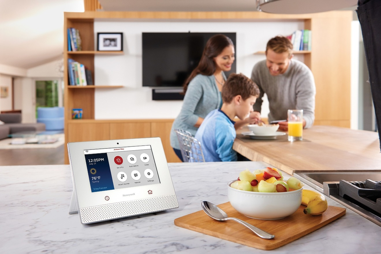 Honeywell embraces Apple HomeKit with Lyric Home Security and Control System