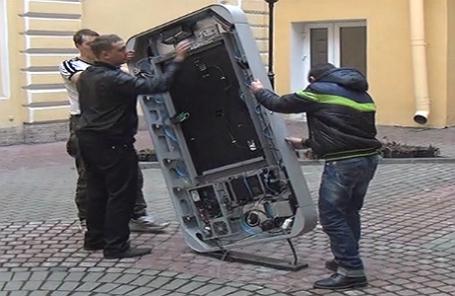 Russia removes Steve Jobs monument