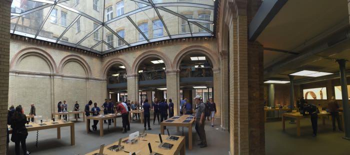 UK Covent Garden Apple Store