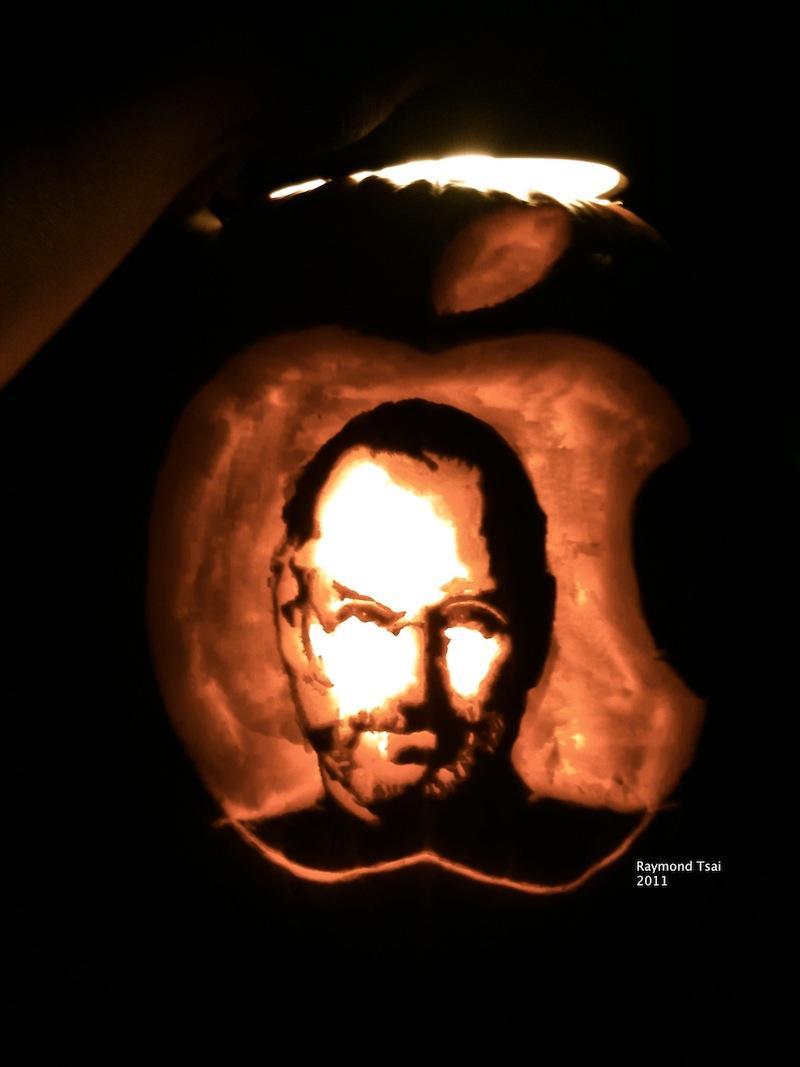 Steve Jobs jack-o'-lantern