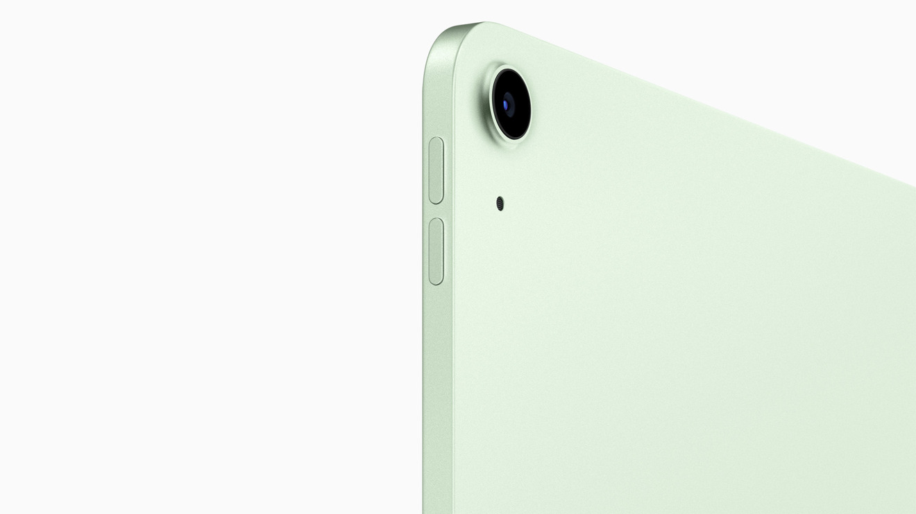 You'll find a single lens on the back of the new iPad