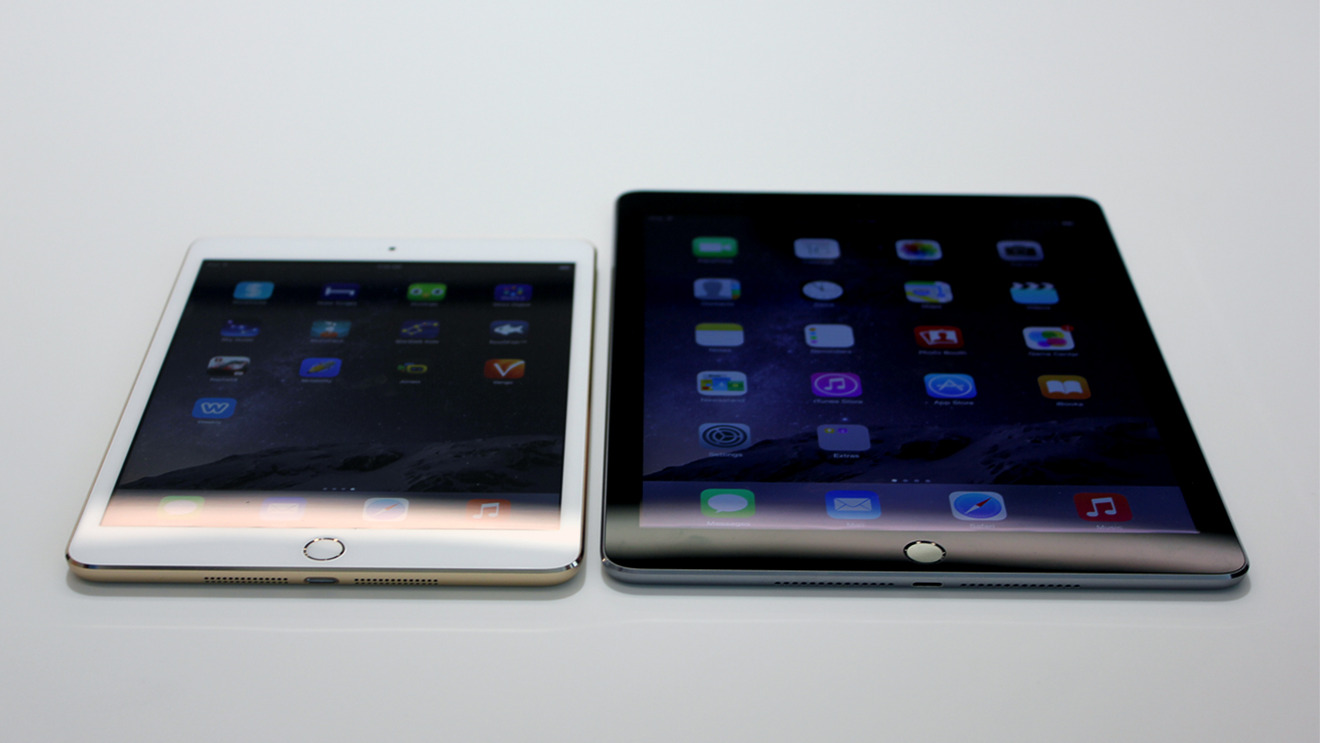 iPad mini 3 (left) with its same-generation peer, the iPad Air 2