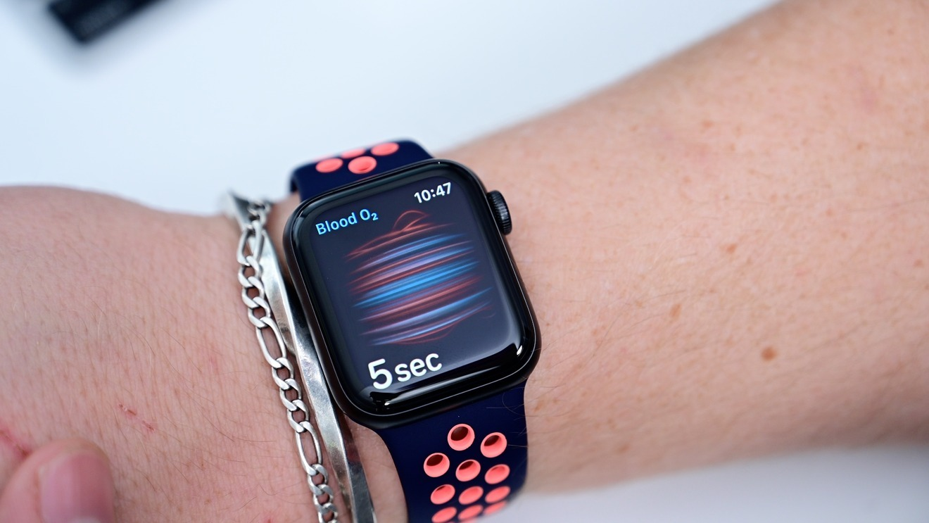 Taking a blood-oxygen reading on Apple's 2020 flagship smartwatch