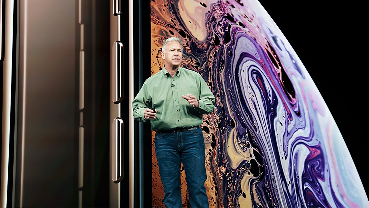 Schiller doing his part in the 2018 iPhone launch event