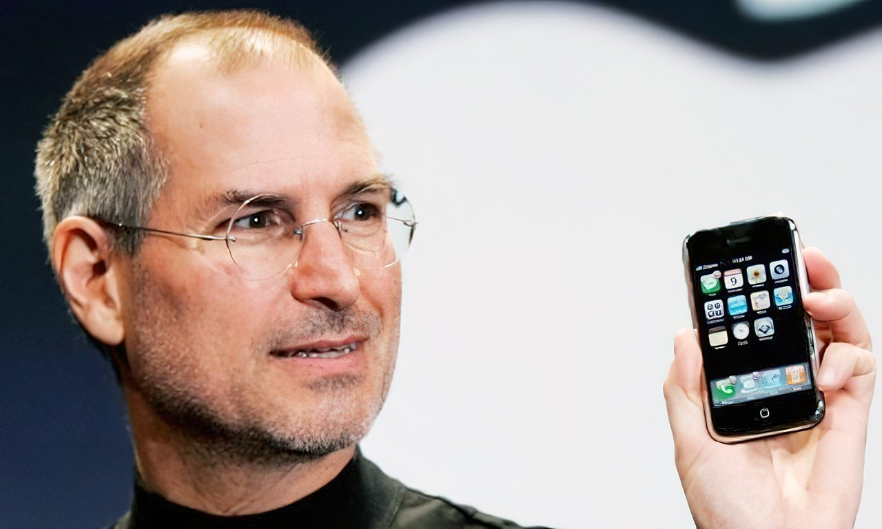 Jobs showing off the first iPhone