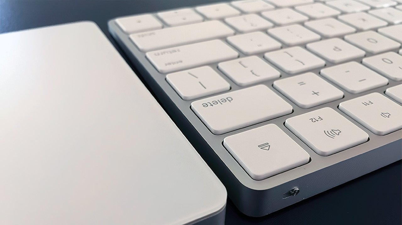 Apple's desktop Mac keyboard was the first to use a scissor mechanism with a 1mm travel distance