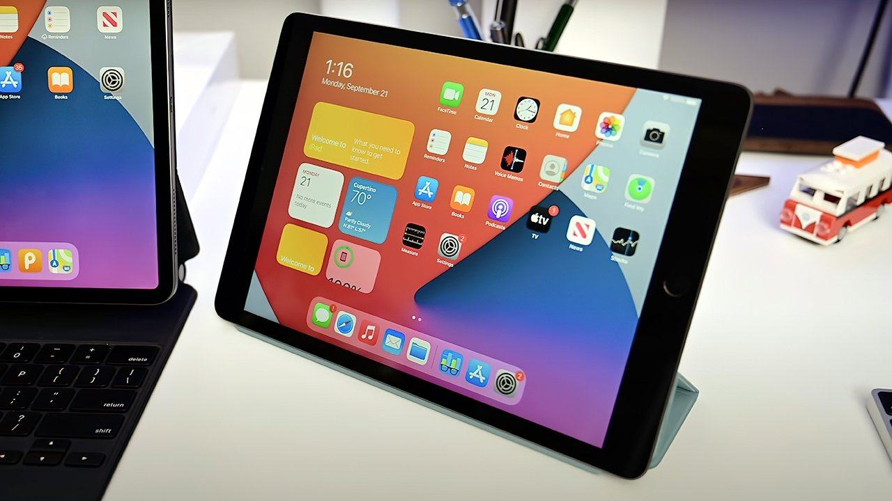The tablet has a 2,160 x 1,620 resolution at 264 PPI