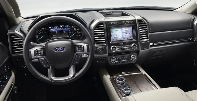 2018 Ford Expedition features Apple CarPlay, wi-fi hotspot