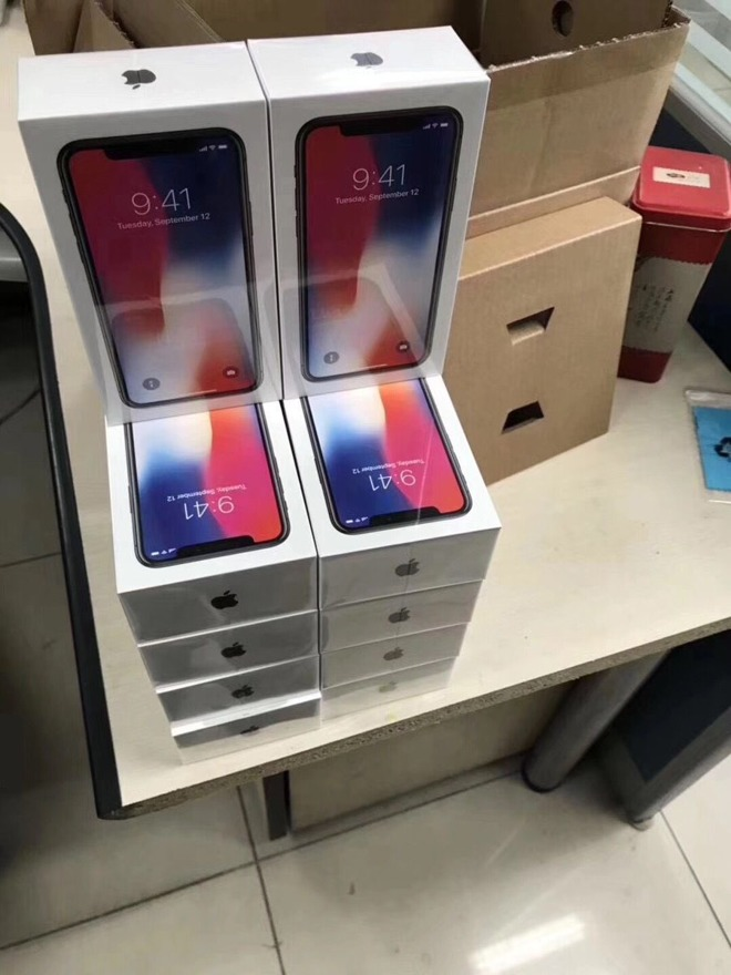 Photos, video show off pre-release unboxing of Apple's iPhone X