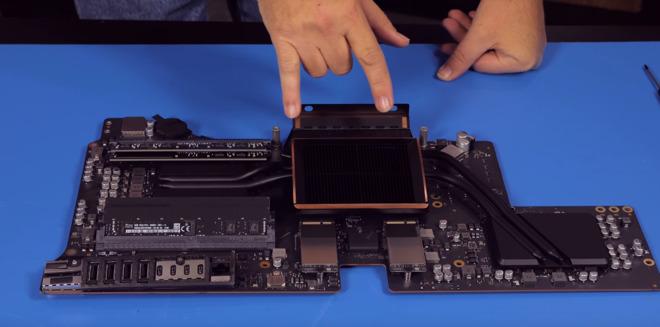 Rozebraný iMac Pro ukazuje, že vlastní upgrade je složitý (Video)
