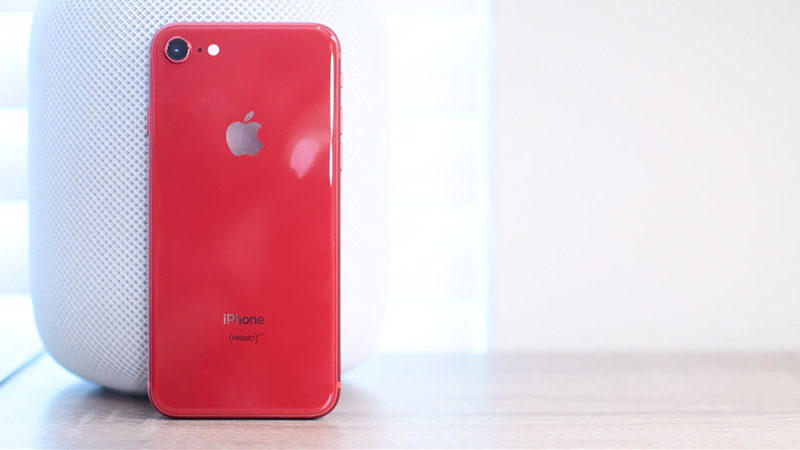 new style 8fd27 49efc Hands-on: Apple's new (PRODUCT)RED iPhone 8