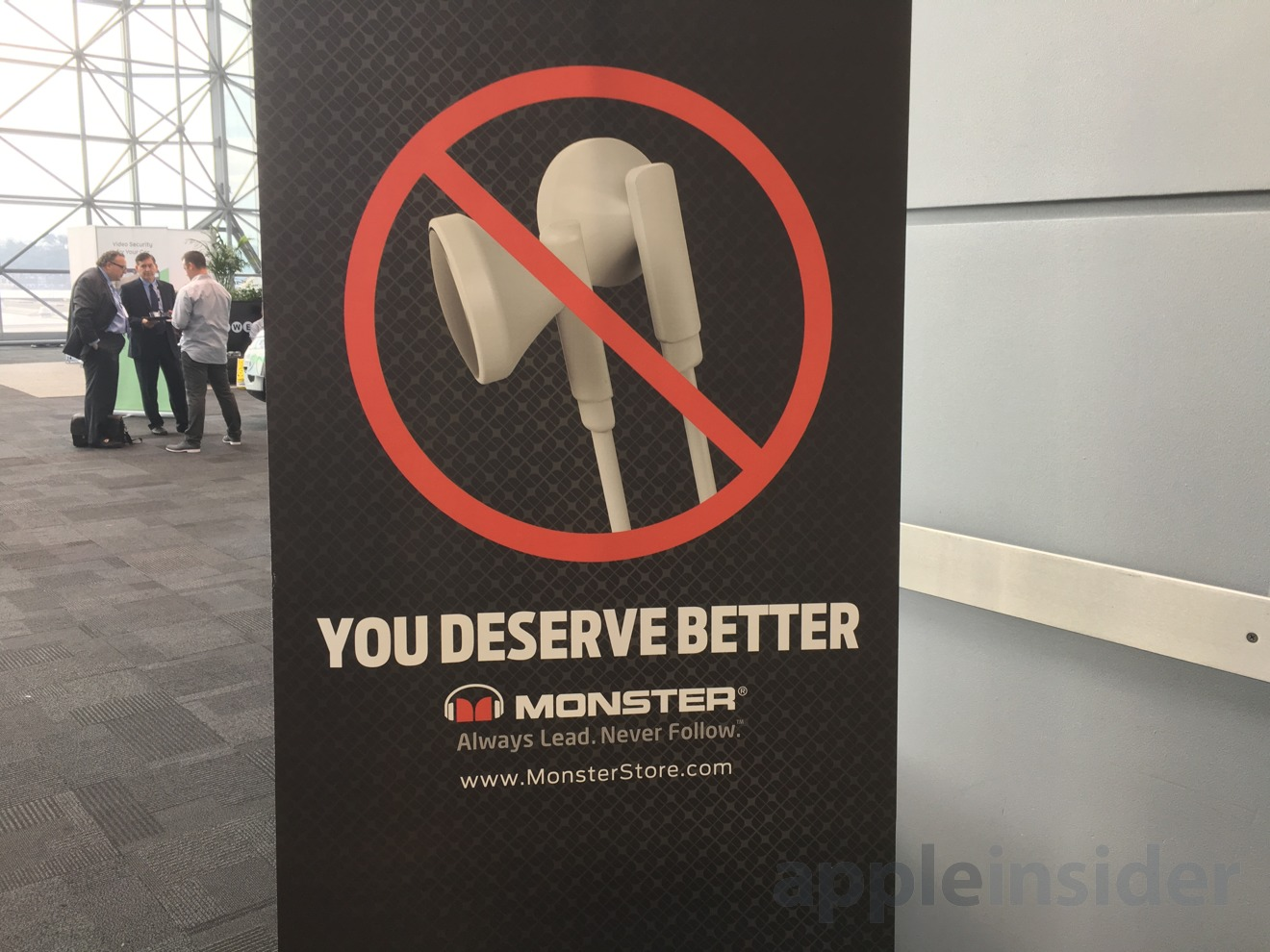 Monster's anti-Apple campaign