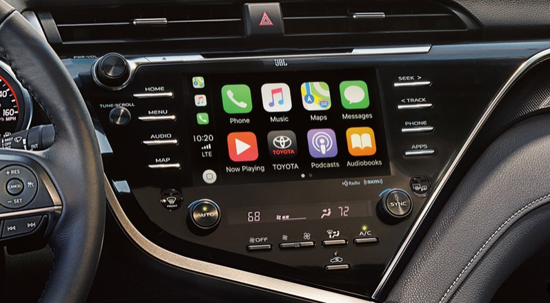 2019 Toyota Camry and Apple CarPlay