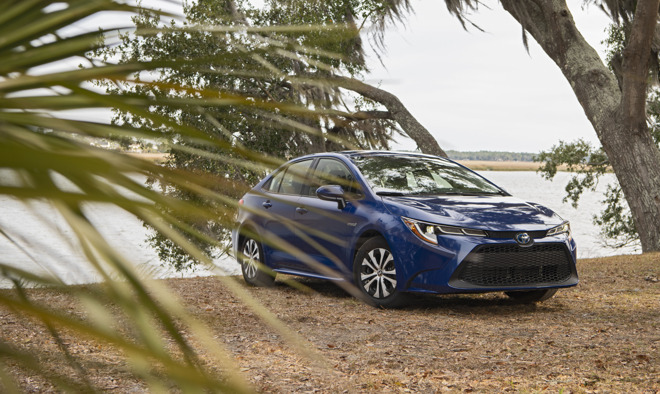 Toyota 2020 Corolla LE Hybrid