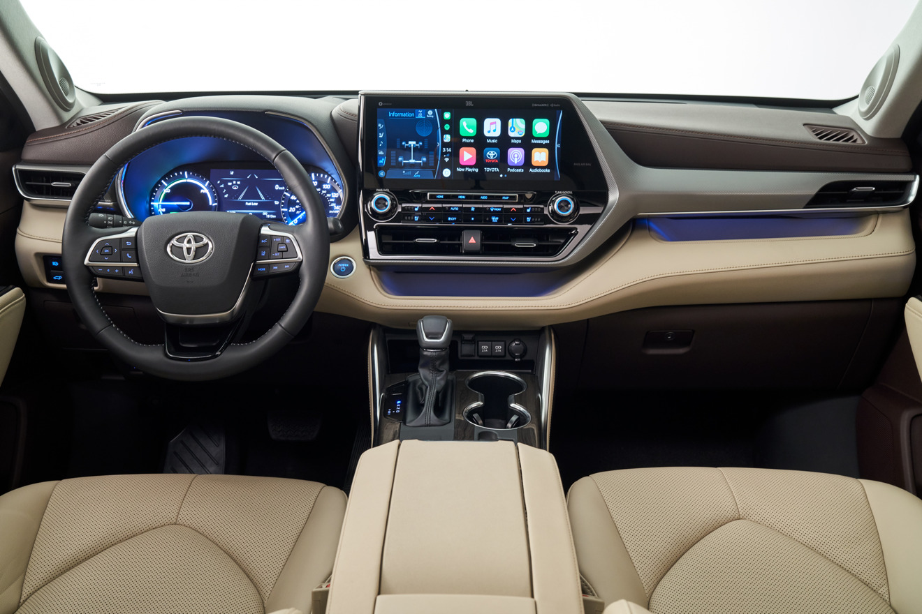 CarPlay in the 2020 Toyota Highlander.