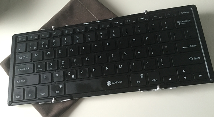 The iClever foldable keyboard