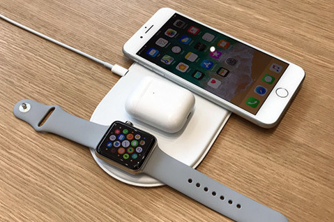 AirPower charging mat with iPhone, Watch and AirPods case