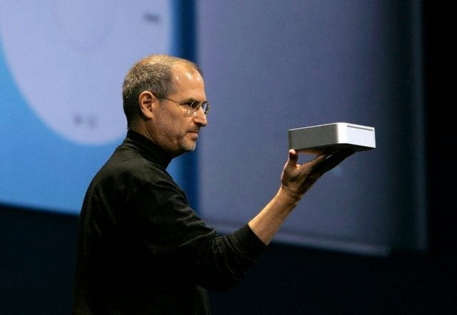 Steve Jobs introduces the first Mac mini in 2005