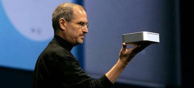 Steve Jobs introduces the original Mac mini in 2005