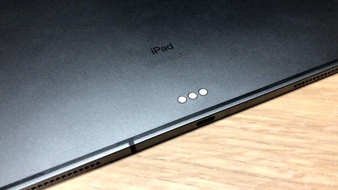 2018 iPad Pro Smart Connector and USB-C