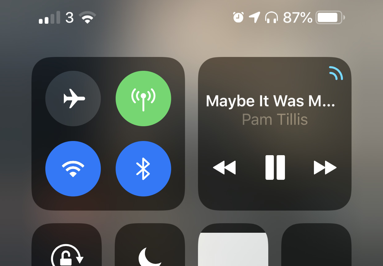 Using the hard-to-spot Audio Sources option in Control Center