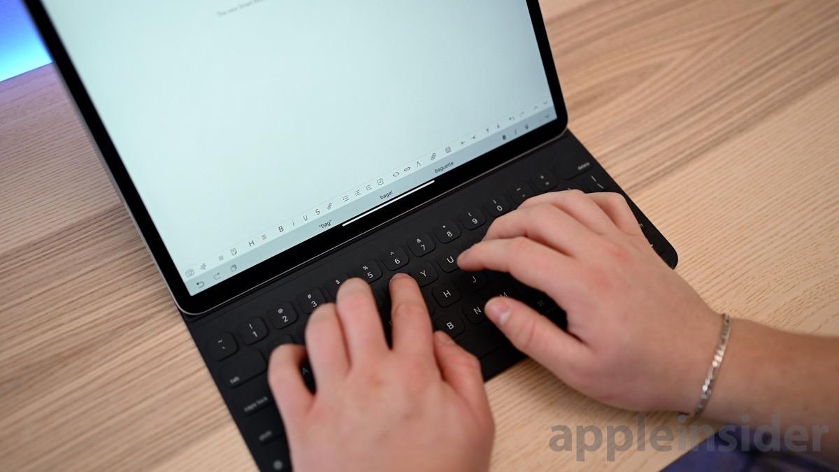 2018 12.9-inch iPad Pro Typing on Smart Keyboard Folio
