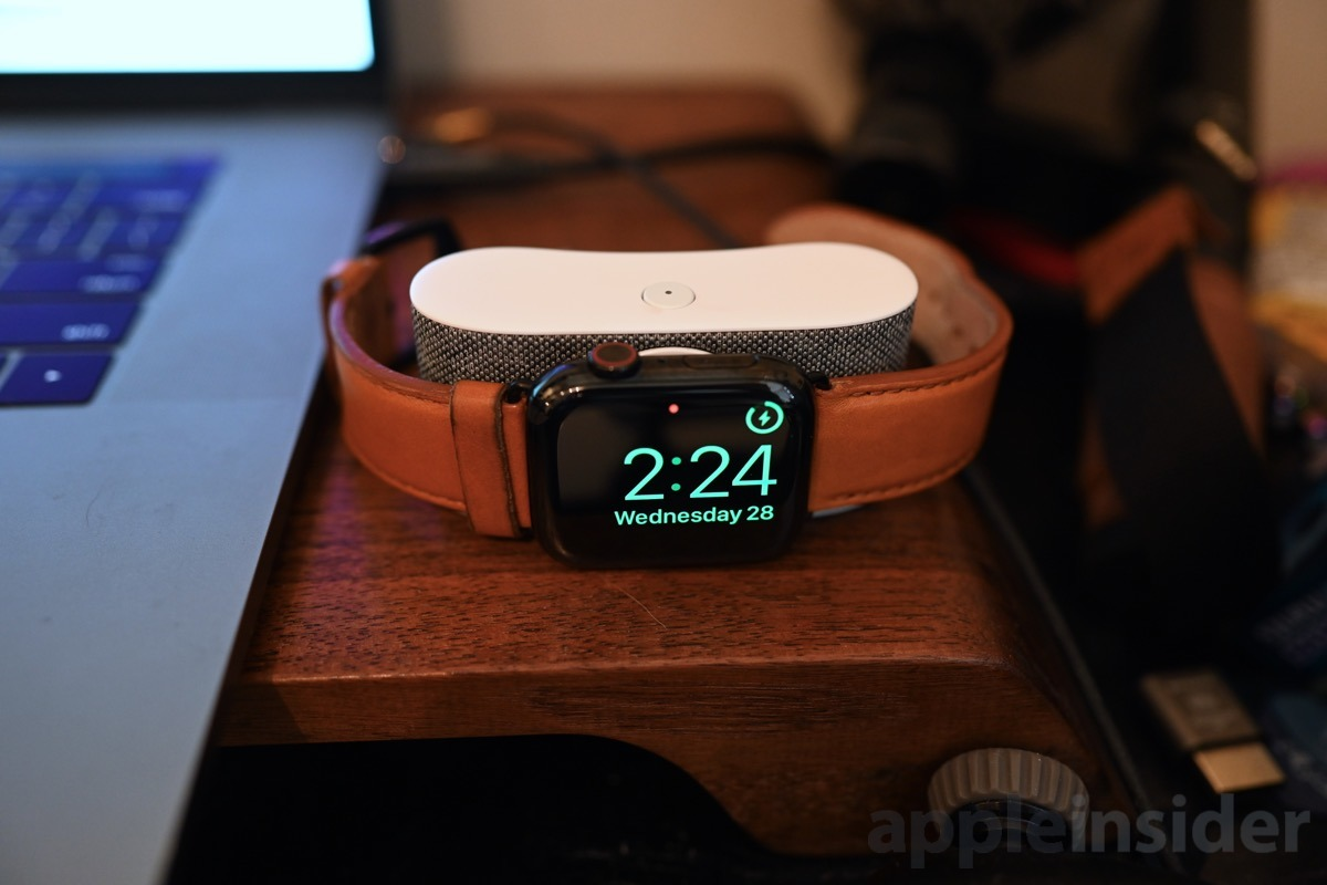 Opso Apple Watch battery pack Nighstand mode