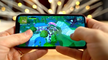 A dimming issue in Fortnite for the iPhone XR