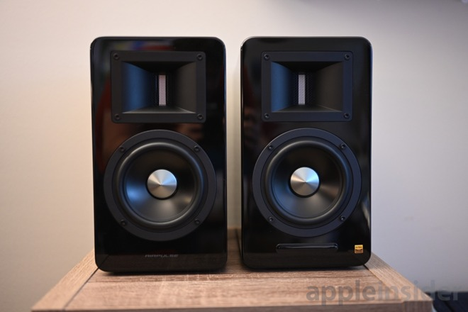 AirPulse A100 speakers