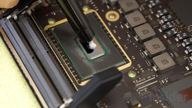 Applying Kryonaut thermal paste to a processor