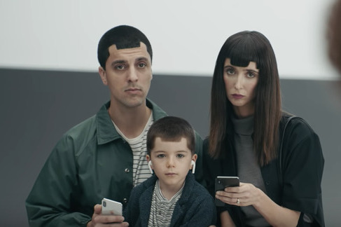 Samsung adverts mock the notch on the iPhone X