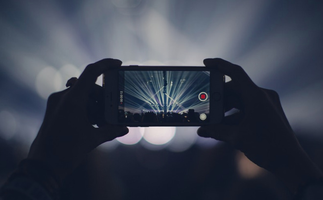 iPhone camera concert