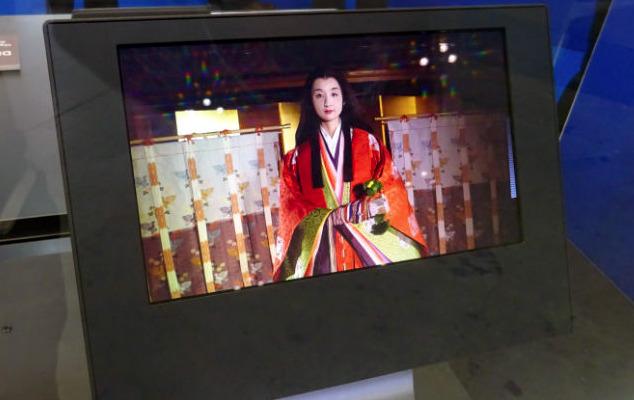 SEL's 8K-resolution 8.3-inch OLED display panel (via Anandtech)