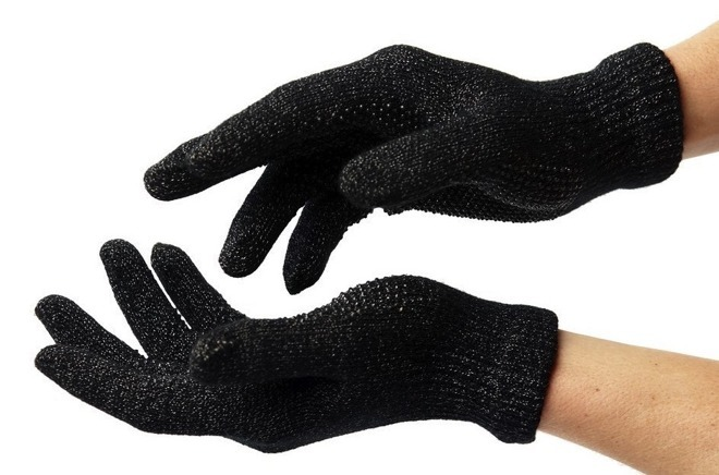 Gloves that work with touchscreens -- a primitive usage of conductive fabrics