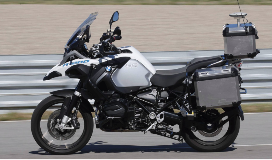 Not pictured: a rider. BMW unveils self-driving motorbike. (Source: BMW)