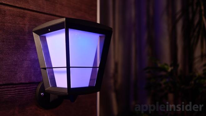 Hue outdoor lights