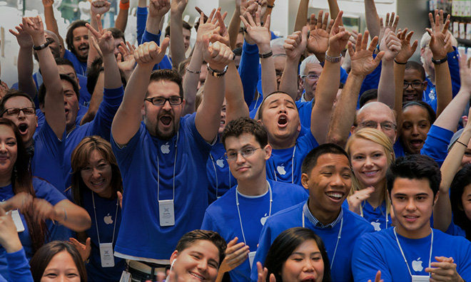 Apple Store Employees