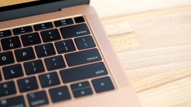 The 2018 MacBook Air has side speaker grilles