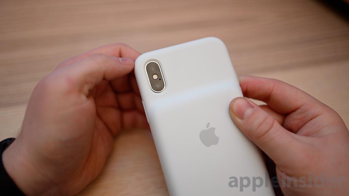 iPhone Smart Battery Case camera gap
