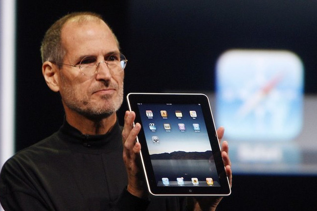 Steve Jobs unveils the original iPad