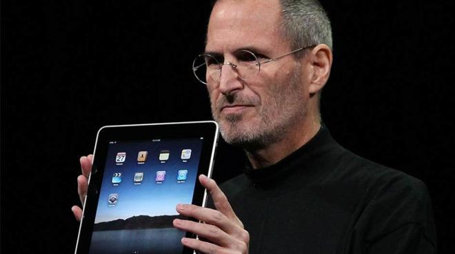 Steve Jobs unveils the original iPad in 2010