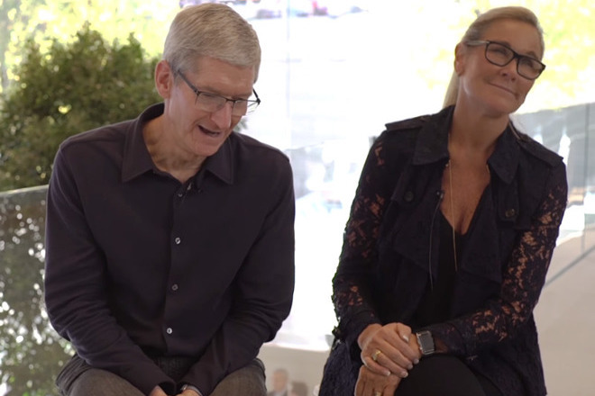 Angela Ahrendts (right) with Apple CEO Tim Cook