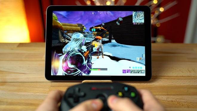 Playing 'Fortnite' on an iPad Pro and iPhone XR with a