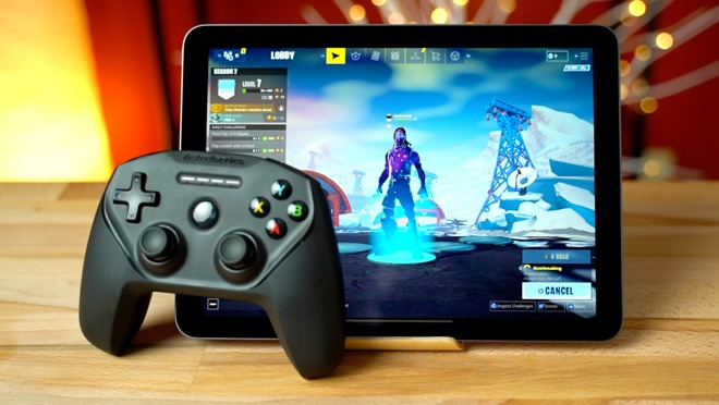 Playing 'Fortnite' on an iPad Pro and iPhone XR with a controller is