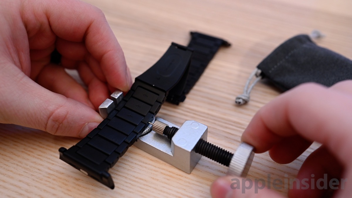 Nomad titanium Apple Watch band removing links