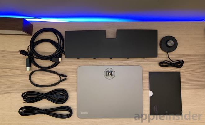 BenQ 4k Thunderbolt 3 monitor components
