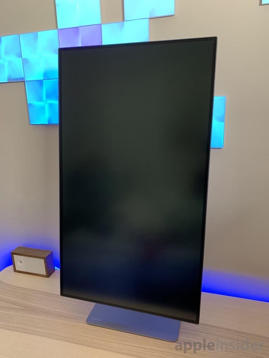 BenQ 4k Thunderbolt 3 monitor vertical orientation