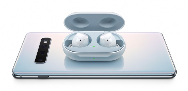 The Galaxy S10's Wireless Powershare works with Samsung's Galaxy Buds