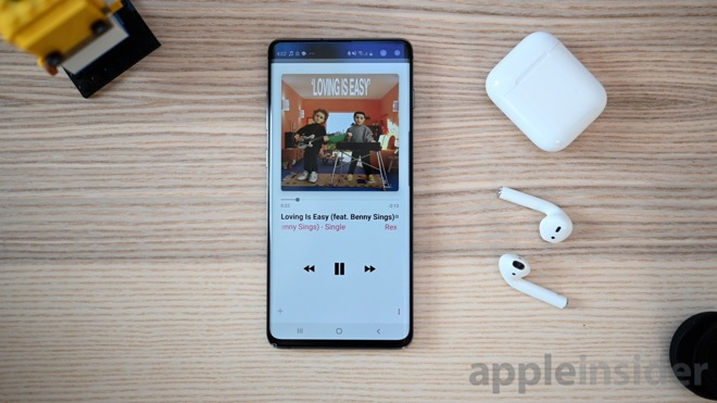 Samsung Galaxy S10+ and AirPods